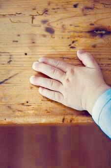 child's_hand
